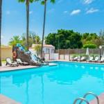 GayTucanes-GranCanariaGayStay-pool