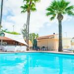 GayTucanes-GranCanariaGayStay-poolbar