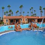 Jacuzzi & Pool -GranCanariaGayStay.com